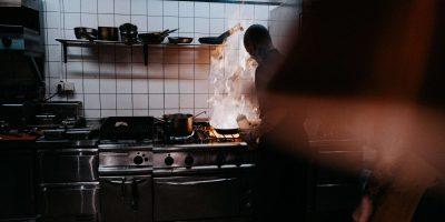 brand keuken blussen
